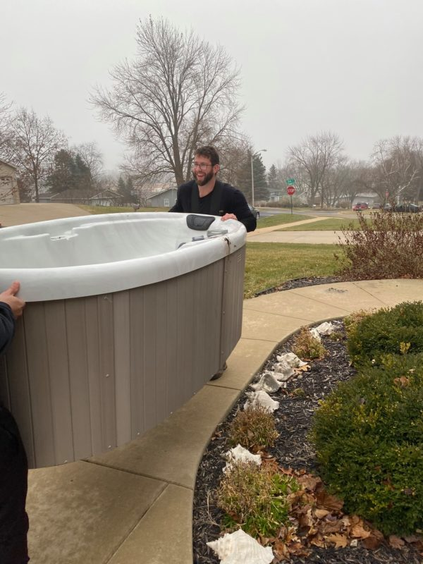 moving jacuzzi tub at big dog movers